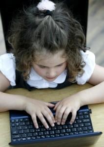 Obez Çocuklar Okulda Zorluk Yaşıyor